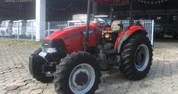 Trator CASE Farmall 80 – Ano: 2013 – 4 x 4