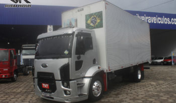 Ford Cargo 1317 – Ano: 2012 – Baú Isolado