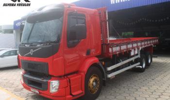Volvo VM 330 – Ano: 2014 – Carroceria
