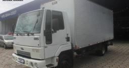Ford Cargo 815 N – Ano: 2012 – Baú