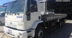 Ford Cargo 2422 – Ano: 2004 – Carroceria