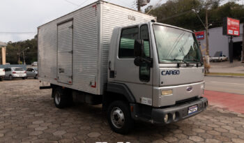Ford Cargo 815 – Ano: 2002 – Baú VUC – Baixo Km
