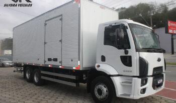 Ford Cargo 2428 – Ano: 2012 – Baú