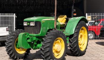 Trator John Deere 5055 E – Ano: 2015 – 4 x 4