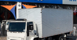 Ford Cargo 1317 – Ano: 2009 – Baú